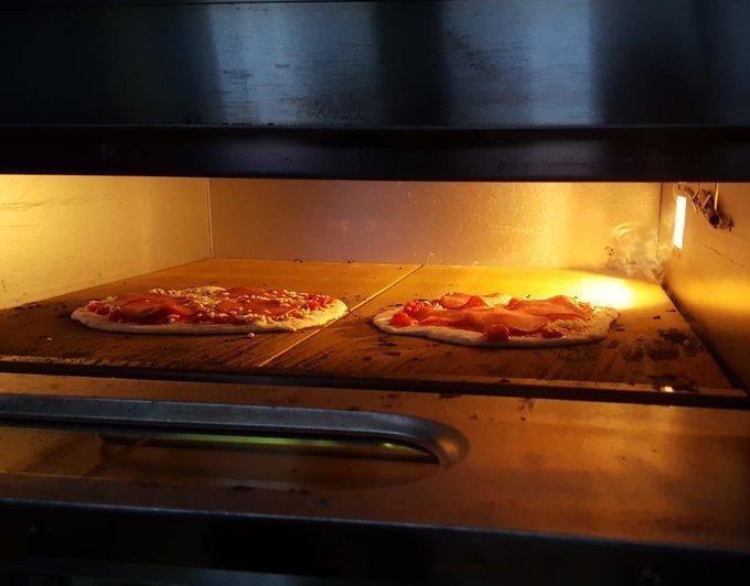 Pizza oven 2 laags (afmeting inwendig 66x66x14cm)